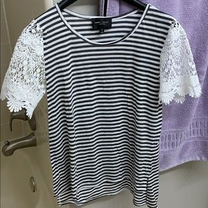 Tops - NEW Lace sleeved striped t-shirt